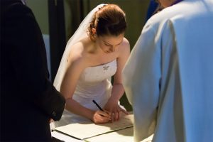 Bridal_Photography_Signing_Wedding_register